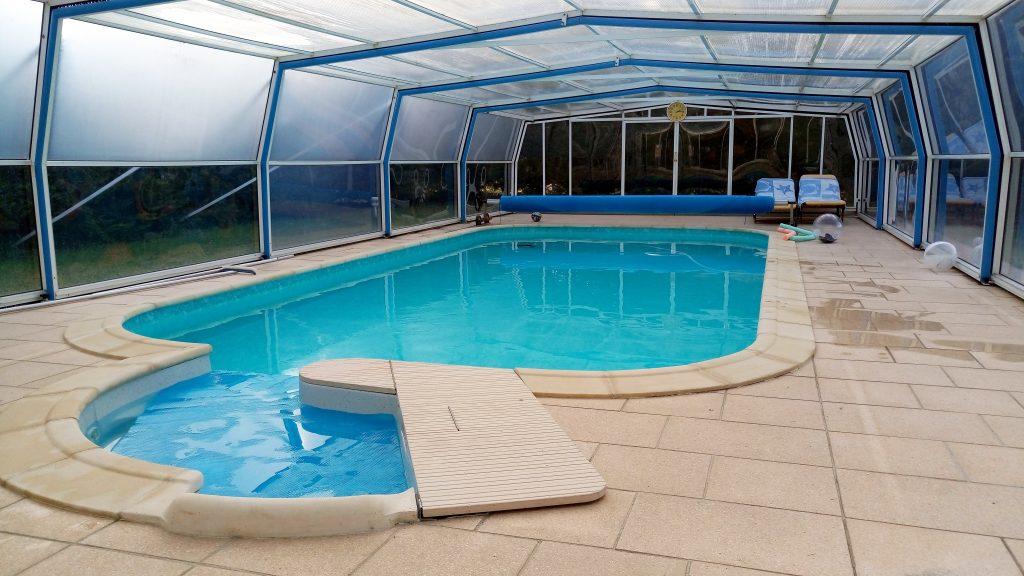 swimming-pool-1562901